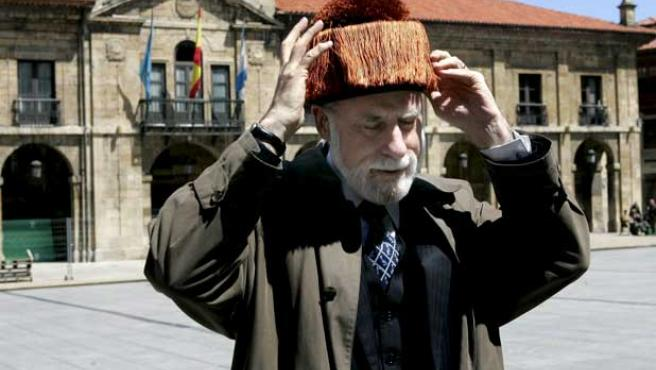 El científico estadounidense Vinton Cerf, a su llegada a Asturias.