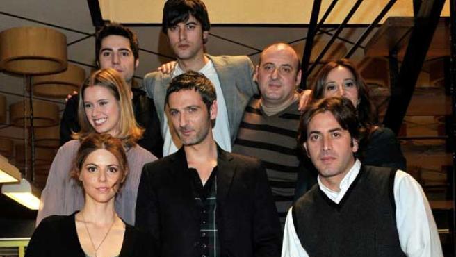 loa actores de la serie de Antena 3 'La Chica de ayer'.