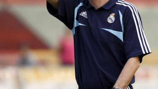Míchel, dirigiendo una sesión de entrenamiento de la cantera del Real Madrid.