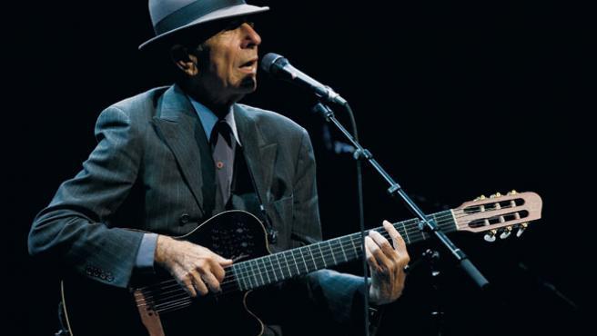 Leonard Cohen, durante una actuación en directo.