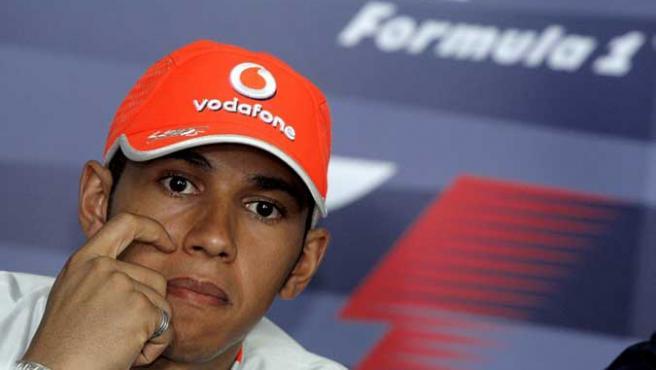 Lewis Hamilton durante una rueda de prensa en Malasia.