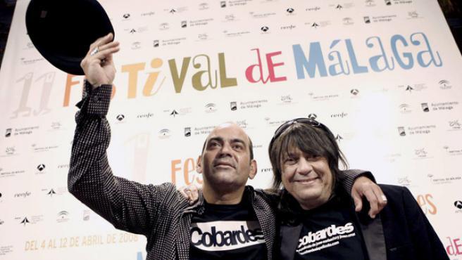 Los directores de 'Cobardes', José Corbacho y Juan Cruz.
