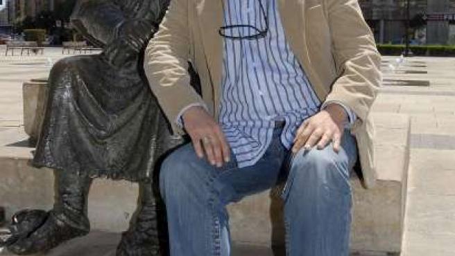 Hape Kerkeling, humorista y presentador de televisión en Alemania, posa durante la presentación de su best seller.