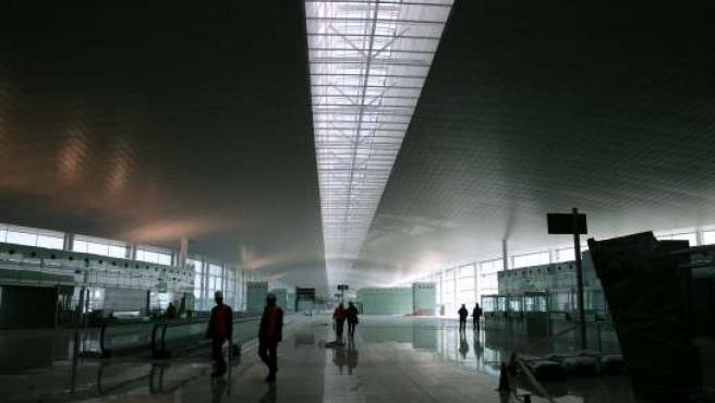 La nueva terminal del aeropuerto del Prat.