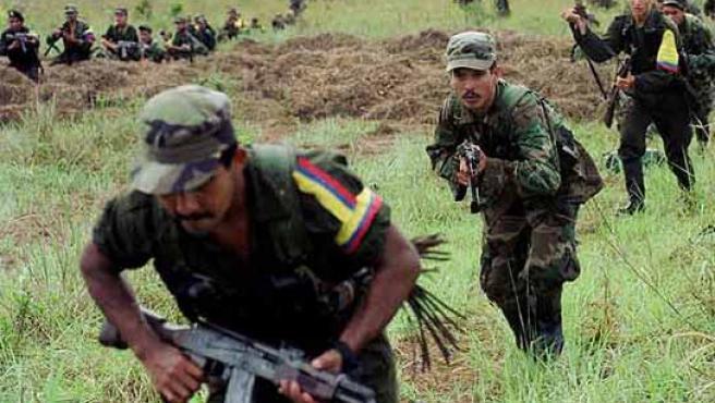 Un grupo de guerrilleros pertenecientes a las FARC.