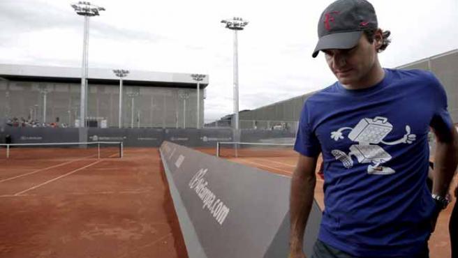 El tenista suizo Roger Federer, a su llegada a un entrenamiento en las instalaciones de la Caja Mágica para el torneo Madrid Masters 1000.
