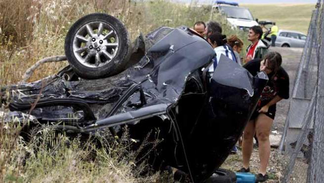 Estado en que quedó uno de los coches implicados en el accidente mortal ocurrido en Córdoba.
