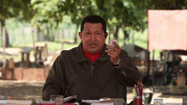 """Hugo Chávez durante la retransmisión de """"Aló Presidente""""."""