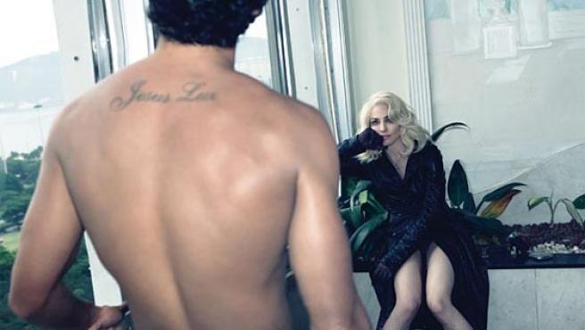 Madonna y Jesús Luz posan para la revista W Magazine.