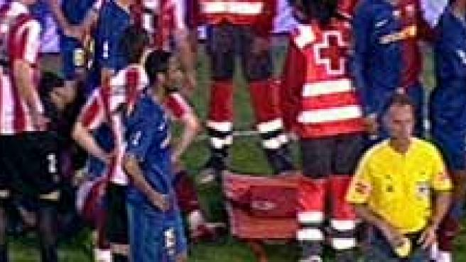 Secuencia de la agresión del botellazo a Alves en Mestalla.