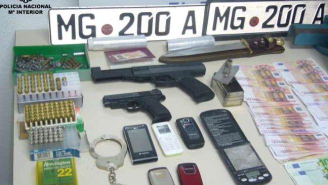 Armas intervenidas a la familia dedicada a vender droga en El Ejido (Almería).