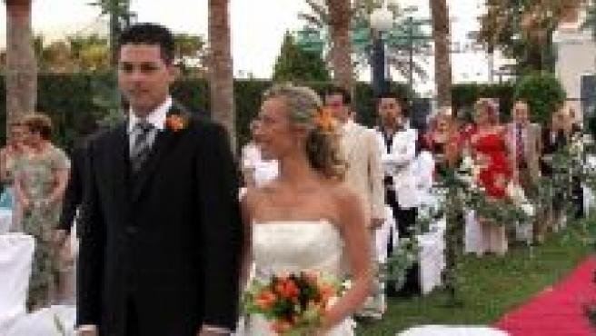 Celebración de una boda al aire libre.