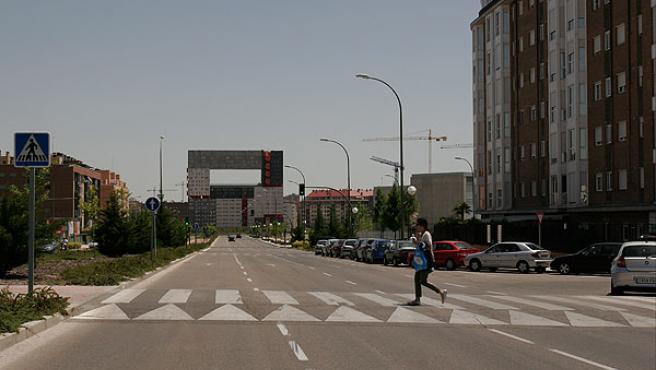 Calle semidesierta en uno de los nuevos PAU de Madrid.