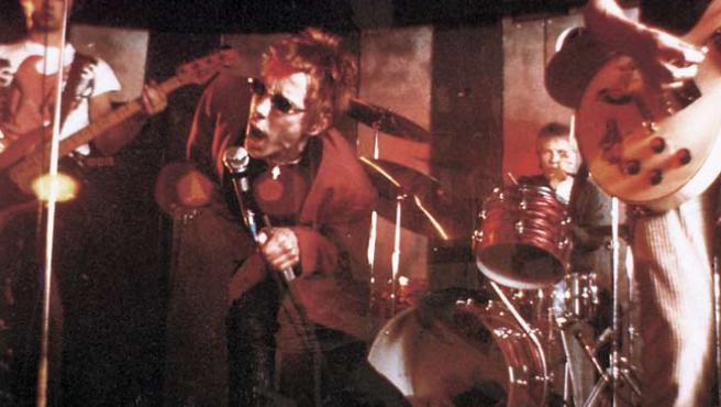 Johnny Rotten, al frente de los Sex Pistols, en una actuación en Londres, en mayo de 1976.