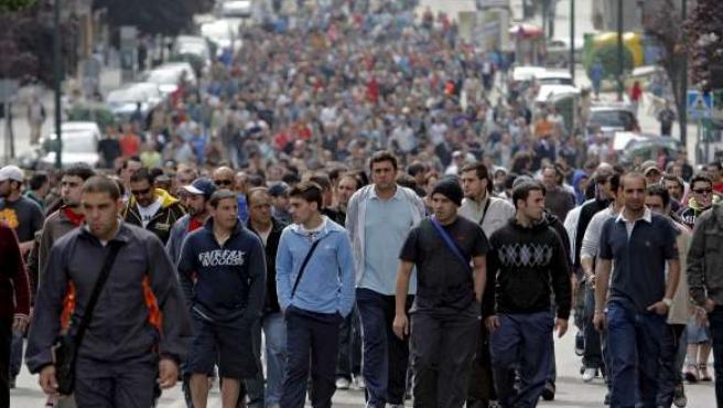 Cientos de trabajadores del sector metalúrgico de la provincia de Pontevedra, durante la primera jornada de huelga.