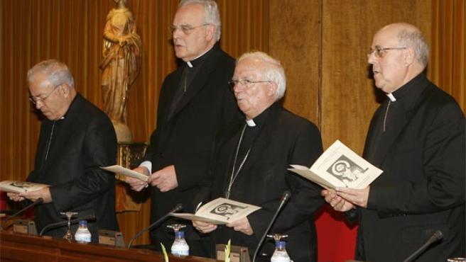 Rezos durante la Asamblea Plenaria de la Conferencia Episcopal el pasado mes de junio(Efe)