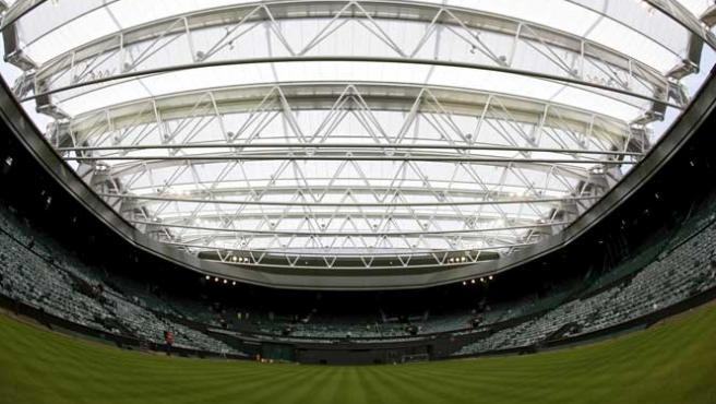 Una imagen de la pista central del All England Lawn Tennis Club, en el que se desarrolla el torneo de tenis de Wimbledon.
