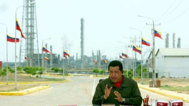 Hugo Chávez, durante la transmisión del programa 'Aló Presidente'.