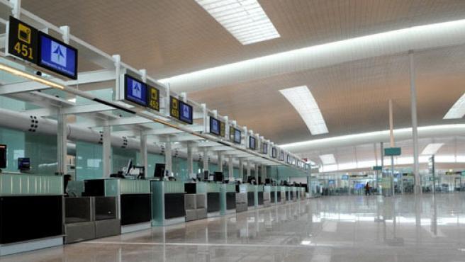 Vestíbulo de facturación de la T1 del aeropuerto del Prat.