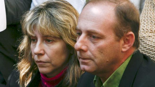 Los padres de Marta del Castillo, durante una rueda de prensa (EFE).
