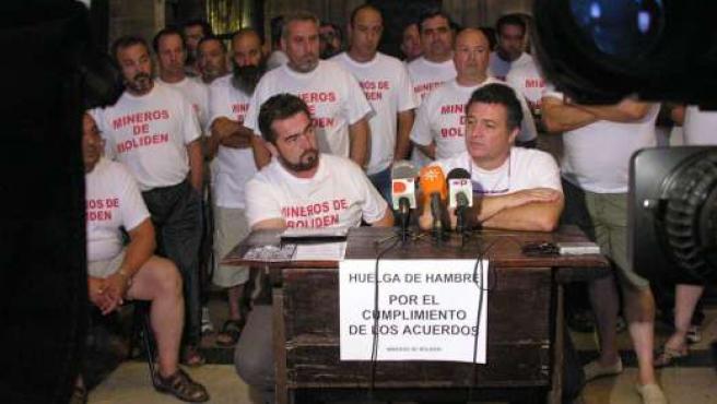 Los mineros de Boliden, en huelga de hambre en la catedral.