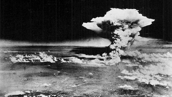 Foto de archivo tomada el 6 de agosto de 1945 de la explosión de la bomba atómica sobre Hiroshima.