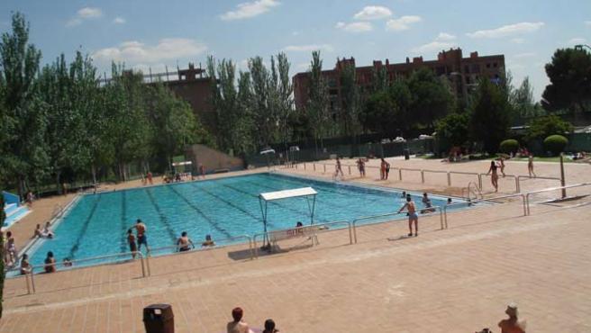 Una piscina de verano en una capital española.