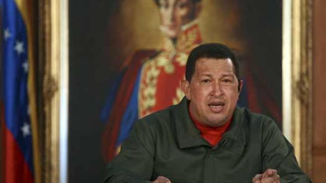 Hugo Chávez condena el golpe militar de Honduras durante su programa, 'Aló Presidente'.