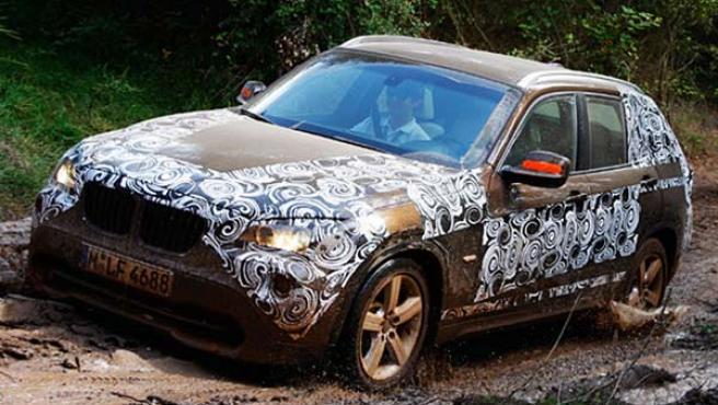 El BMW X1 tiene tracción total y es más plano que el X3 .