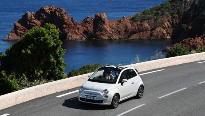 El Fiat 500C incluye el sistema Start&Stop que reduce los consumos en ciudad.