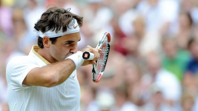 Roger Federer, durante el partido de semifinales del torneo de Roland Garros que disputó contra Tommy Haas