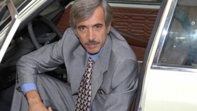 Imanol Arias, caracterizado para la serie de TVE.