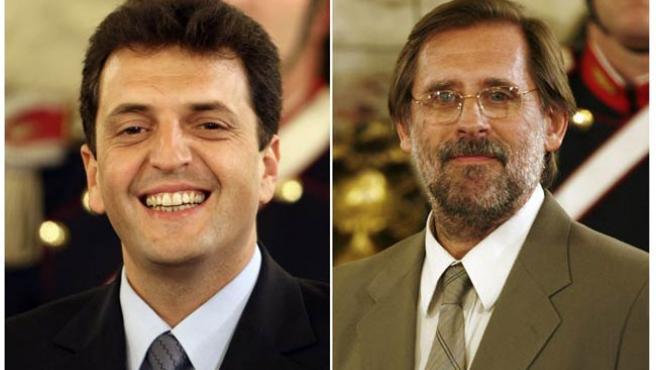 El hasta ahora jefe de Gabinete, Sergio Massa (i), y el ya ex ministro de Economía, Carlos Fernández.