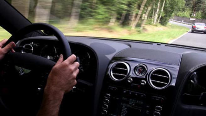 Durante los viajes, la musculatura sufre por la vibración del coche.