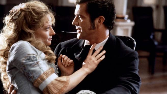 Mel Gibson y Jodie Foster en un fotograma de 'Maverick'.