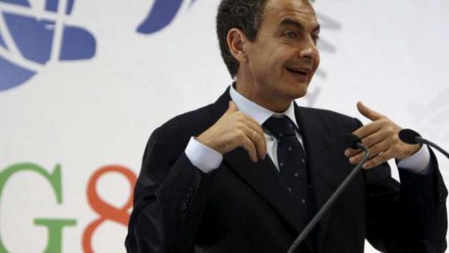 Rodríguez Zapatero, en L'Aquila (Italia) durante la reunión del G-8.