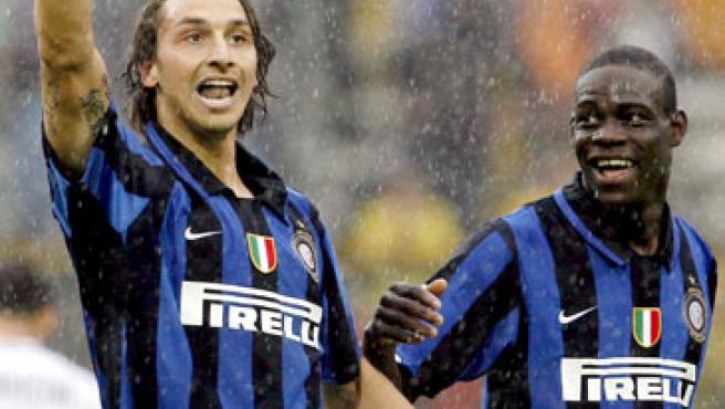 Zlatan Ibrahimovic (izq.), con el Inter.