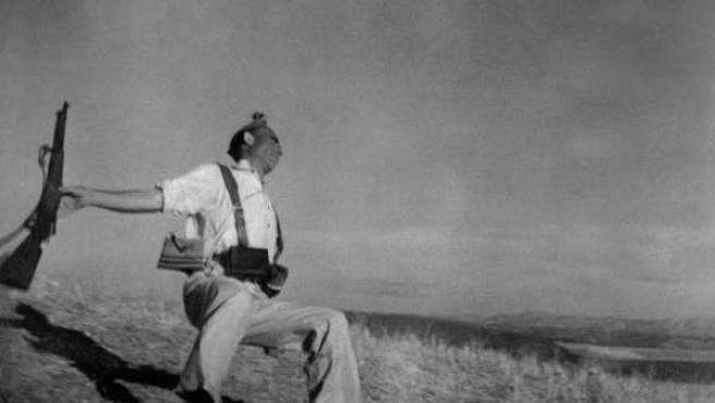 La célebre imagen de Robert Capa, tomada durante la Guerra Civil.
