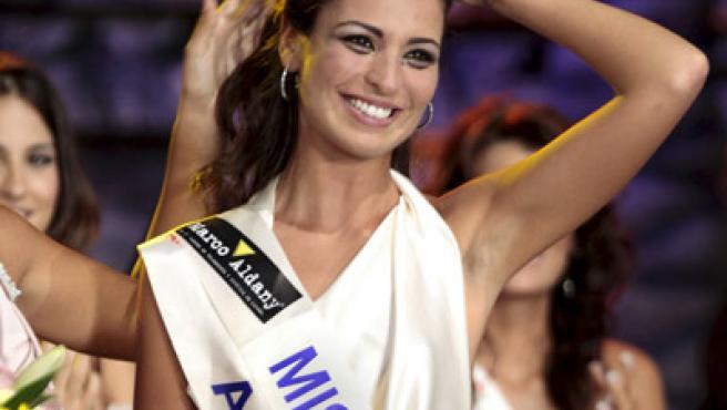 La coruñesa Estíbaliz Pereira Rabade fue coronada Miss España 2009 en la ciudad mexicana de Cancún.