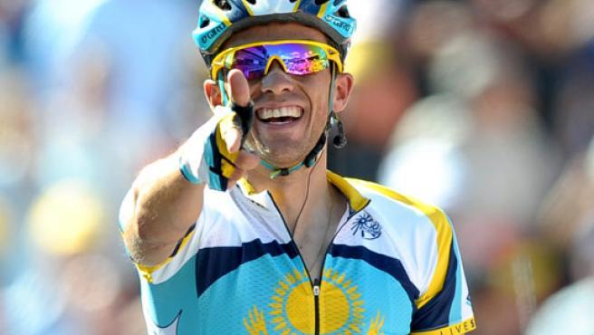 Alberto Contador, al cruzar la meta.