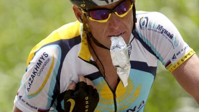 El corredor estadounidense del equipo Astaná, Lance Armstrong, en la etapa reina del Tour.