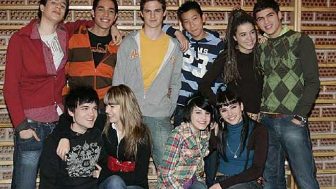 Algunos de los protagonistas de la serie 'Física y química', basada en el día a día en un instituto.
