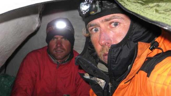 Los montañeros Álvaro Novellón y Oscar Pérez.