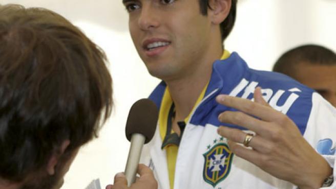 El brasileño Kaká, tras un entrenamiento en Tallín (Estonia).