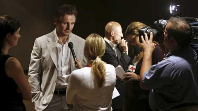 Liam Neeson atiende a la prensa en el estreno en Nueva York de 'Five minutes of Heaven'.