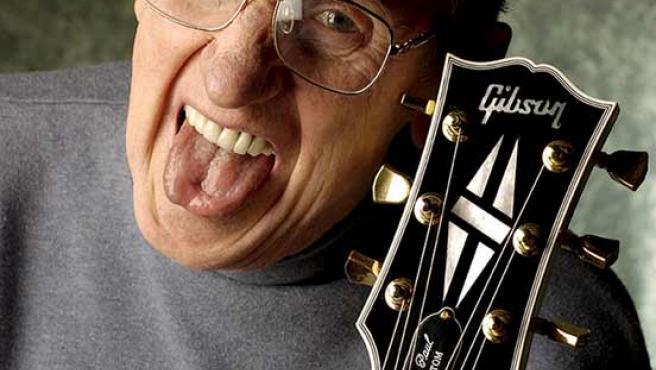 El músico Les Paul, considerado el padre de la guitarra eléctrica.