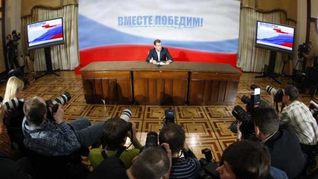 Medvedev, ayer en rueda de prensa (REUTERS/Pawel Kopczynski)