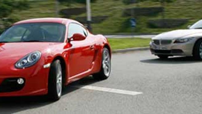 Porsche Cayman S y el BMW Z4.