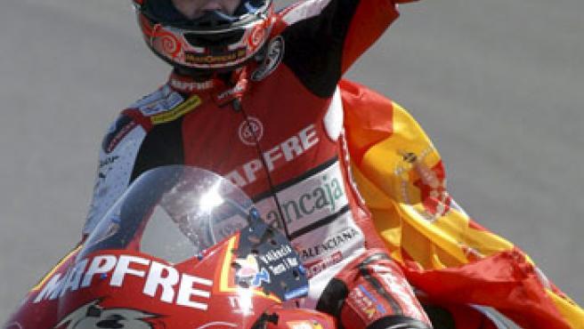 El piloto español de 250 cc, Álvaro Bautista.