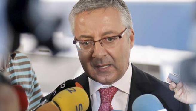 José Blanco, tras inaugurar el Centro de Control de Tráfico de FEVE para Asturias y Galicia.